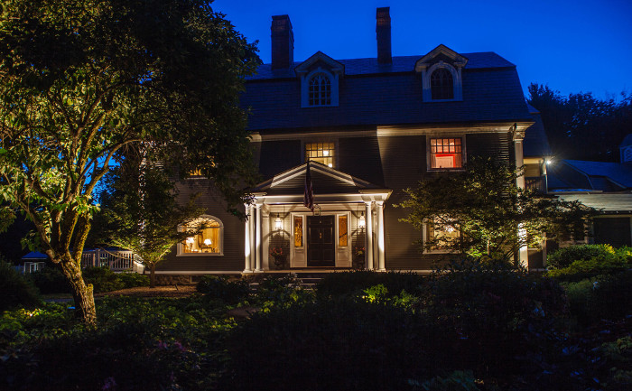 andover-landscape-lighting-project-700x433